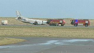 Escócia: avião sai da pista durante a descolagem