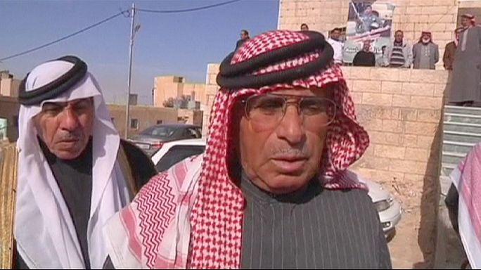 مطالبة بحسن معاملة الطيار الأردني الأسير لدى تنظيم الدولة الاسلامية