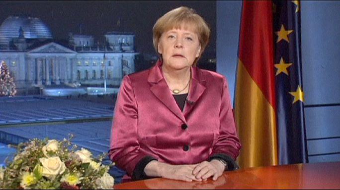 صحيفة: ميركل لا تمانع خروج اليونان من منطقة اليورو