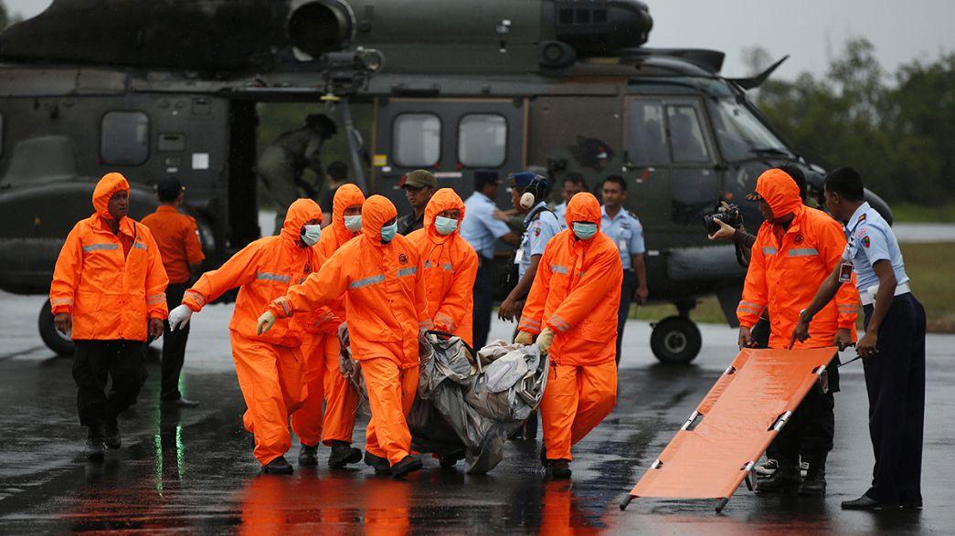 Se han recuperado 34 cadáveres del avión AirAsia