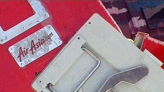 AirAsia uçağının kuyruk kısmının bulunduğu iddia edildi
