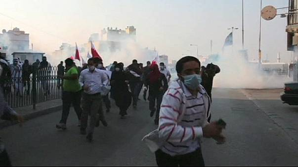 Összecsaptak a rendőrökkel a bahreini tüntetők