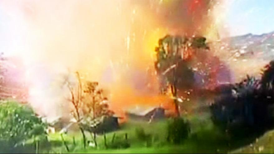 انفجار ضخم في مستودع للألعاب النارية في كولومبيا