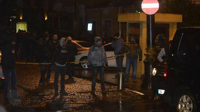 İstanbul'da bombalı saldırı, bir polis şehit