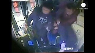 Hareket halindeki otobüsün şoförü zorla yerinden kaldırılırsa ne olur?