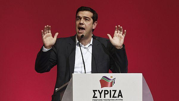 Népszerű ígéreteket tesz a megszorításokat ellenző Ciprasz