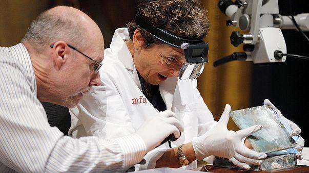 متحف بوسطن يعرض قريبا علبة وأغراضا اكتُشفت مؤخرا تعود إلى القرن 18م