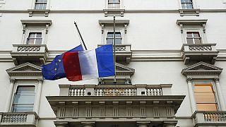 Merkel, Cameron e Parlamento Europeu ao lado da França nesta hora de pesar