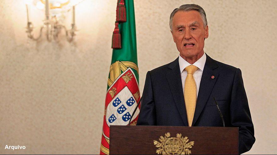 Cavaco Silva envia as condolências a Hollande e ao povo francês