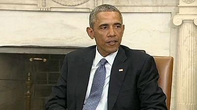 """Obama, Netanyahu e Putin unem-se no """"abraço"""" de pesar à França"""