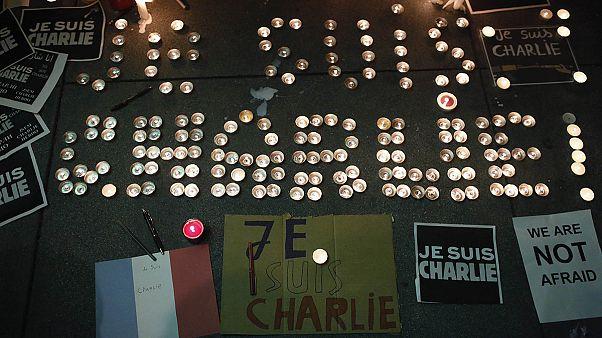 برگزاری گردهمایی و ادای احترام برای قربانیان حمله تروریستی به شارلی ابدو