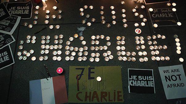 Charlie Hebdo saldırısı dünya çapında protesto edildi
