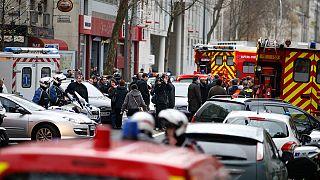 Париж. Скончалась женщина-полицейский, жертва нападения в Монруже