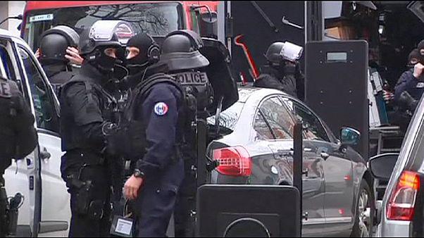 Tödliche Schüsse in Paris - Angriffe auf muslimische Einrichtungen