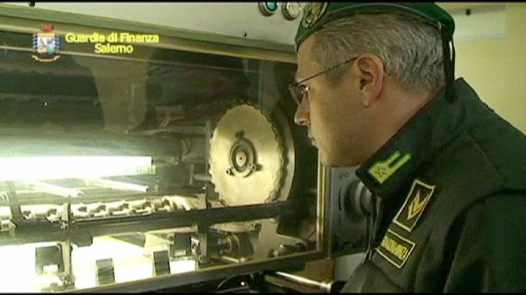 حجز آلات طبع نقود مزيفة في إيطاليا