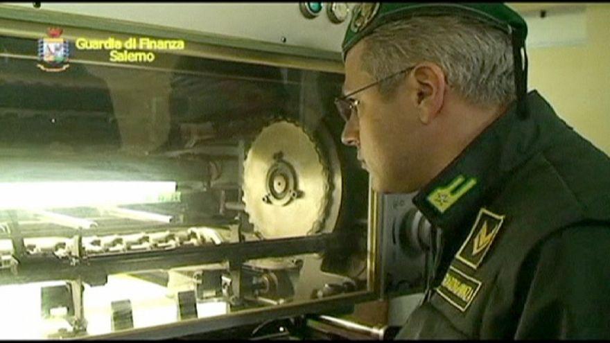 Polícia italiana apreende 50 milhões de euros em notas falsas em Nápoles