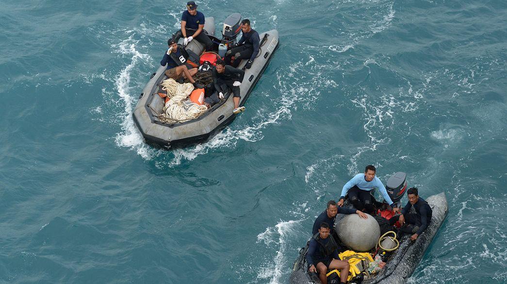 ارتفاع عدد الجثث المنتشلة إثر سقوط طائرة الخطوط الآسيوية إلى 46