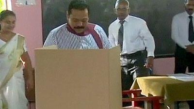 Sri Lanka: presidente cessante derrotado por escândalos de corrupção