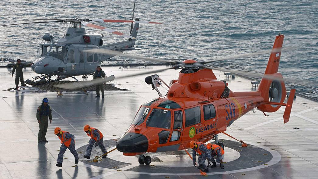 """""""Pings"""" detected in AirAsia Flight QZ8501 search"""