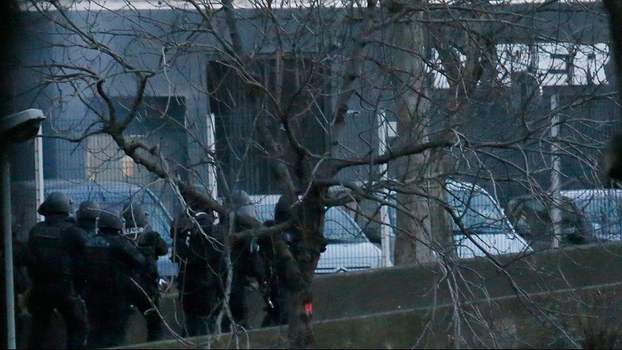 """تداعيات مجزرة """"شارلي إيبدو"""":مقتل الاخوين كواشي في دامارتين وكولبالي في باريس"""