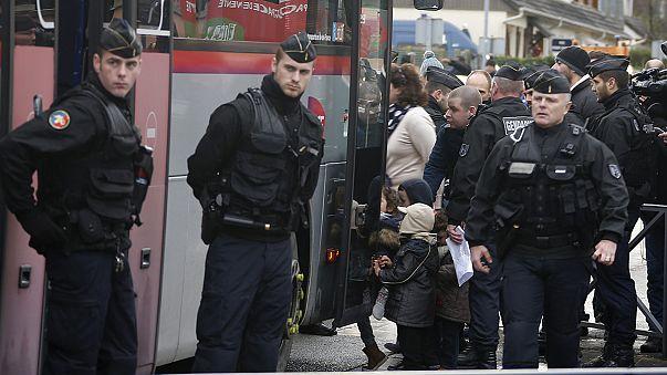 Франция. Школьников эвакуируют из учебных заведений в зоне антитеррористической операции