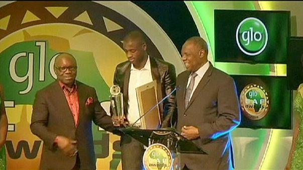 يايا توري يتوج بجائزة احسن لاعب إفريقي