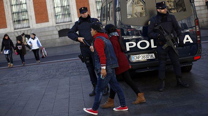 غضب في فرنسا بعد هجوم باريس وتظاهرة حاشدة متوقعة