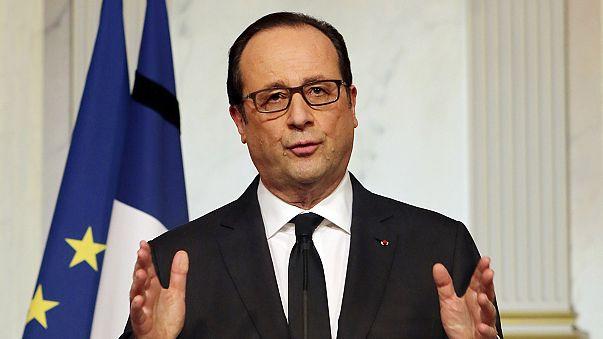 """Hollande pide """"unidad"""" y """"vigilancia"""" y confirma que presidirá la marcha del domingo"""