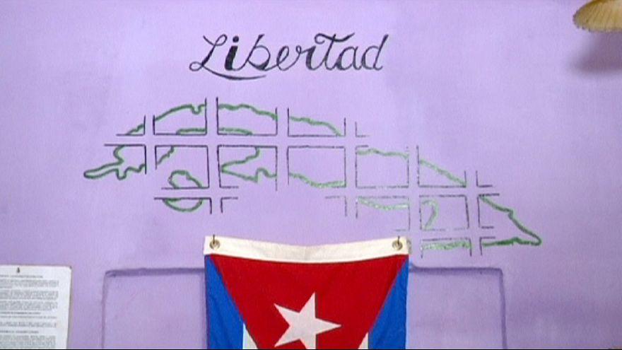 كوبا تطلق سراح عشرات المساجين السياسيين