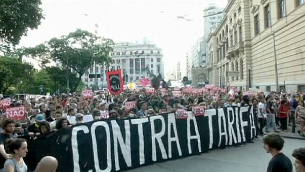Бразилия: протесты против повышения стоимости общественного транспорта