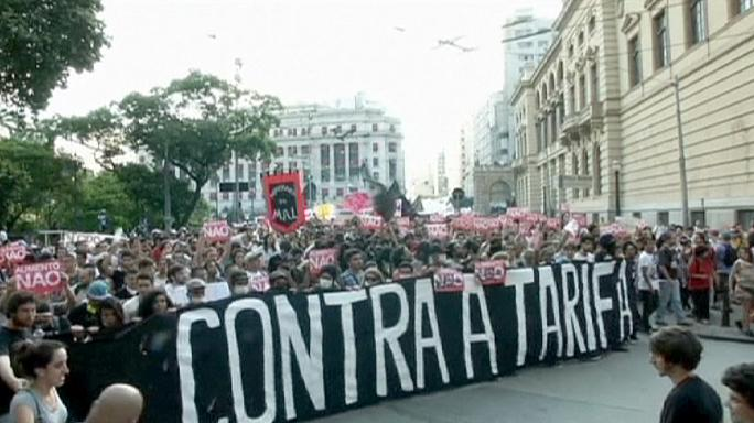 Brasile, scontri e arresti a marcia contro aumento costi trasporto pubblico