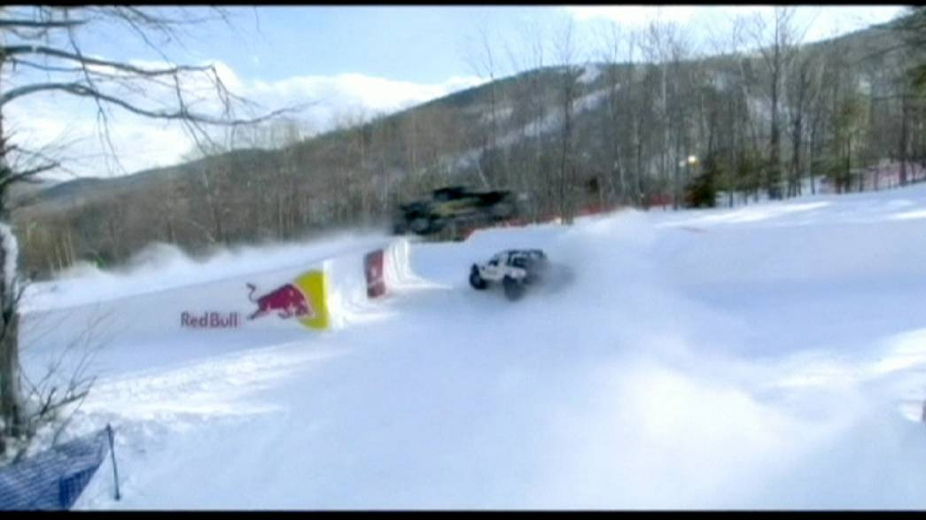 """Frozen Rush""-Rennen: Offroad-Trucks im Ski-Resort"