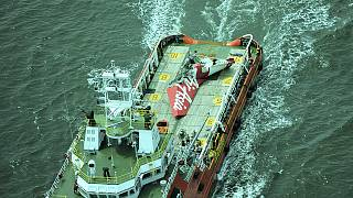 AirAsia-Blackbox einige Kilometer vom Heck entfernt geortet