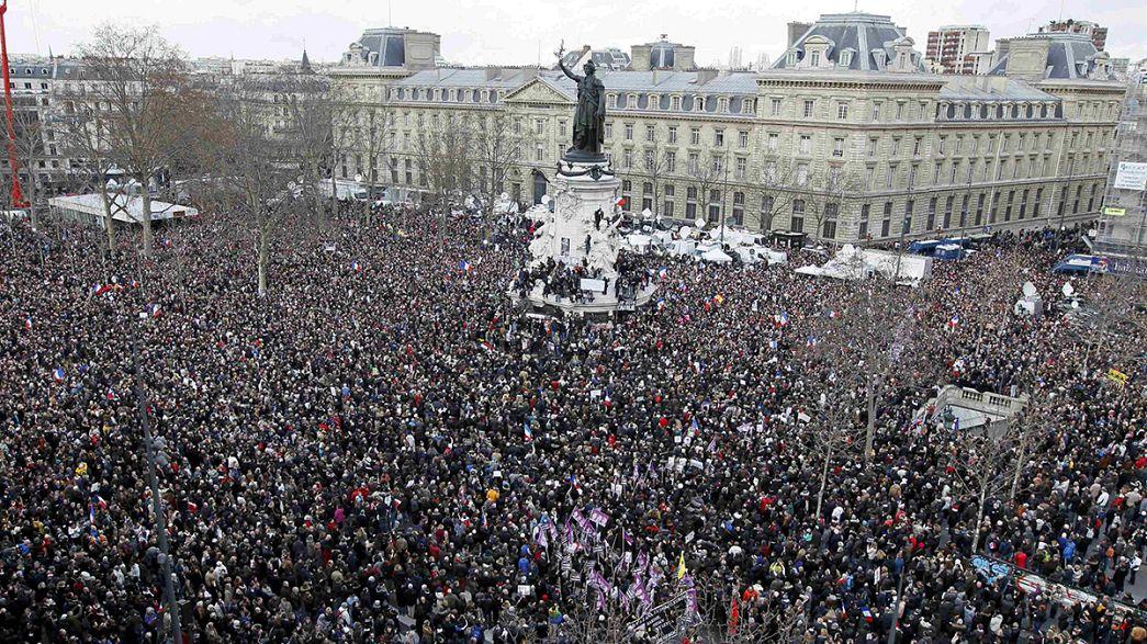 Verfolgen Sie LIVE: Historischer Trauermarsch in Paris