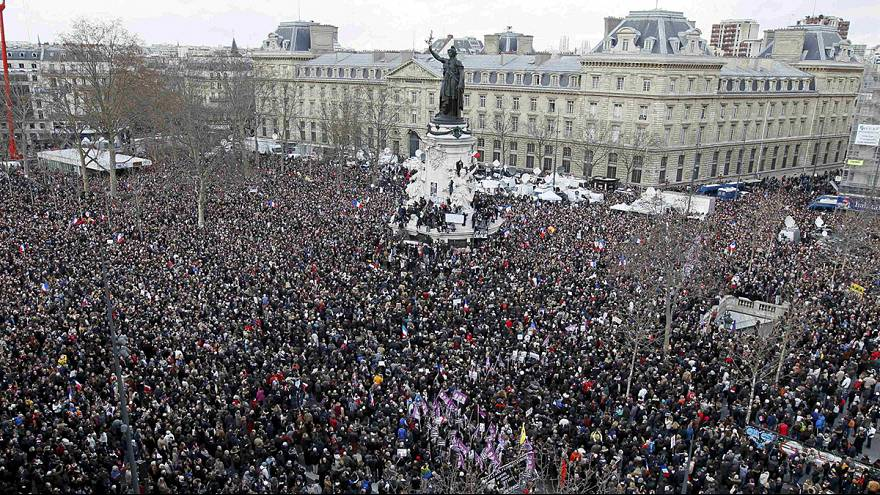 H μεγάλη πορεία στο Παρίσι ενάντια στην τρομοκρατία - #jesuischarlie φώναξαν περισσότερο από 1,5 εκατομμύριο