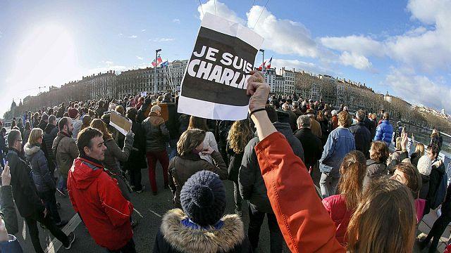 مسيرة للتنديد بالإرهاب في مدينة ليون الفرنسية