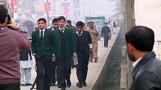 Pakistan. Riapre scuola massacro dicembre