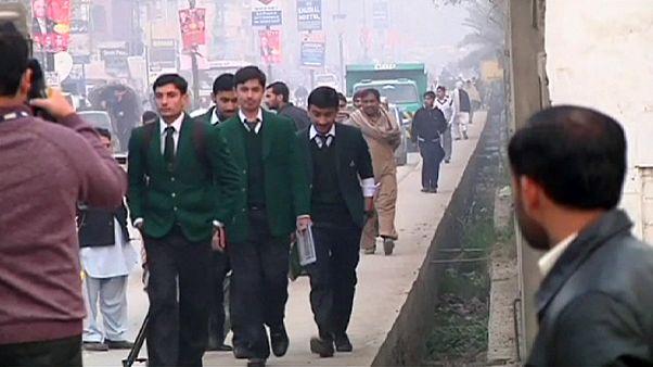 L'école victime d'une attaque meurtrière des talibans au Pakistan rouvre ses portes