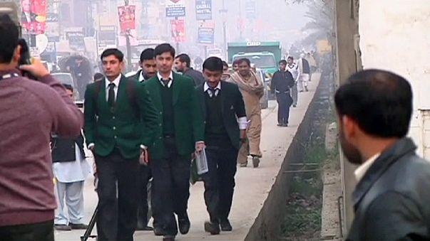 Peşaver'de Taliban'ın bastığı askeri okul açıldı