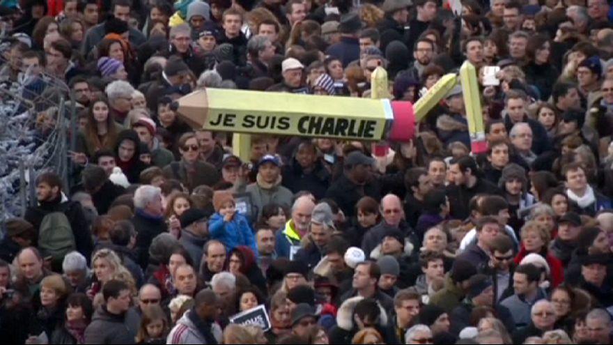 Francia: multitudinarias manifestaciones tras los ataques yihadistas en París