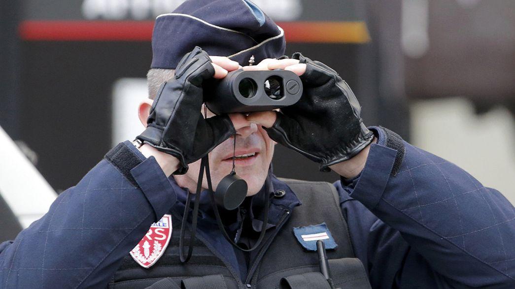 França refora segurança com mais 10 mil soldados e cinco mil polícias