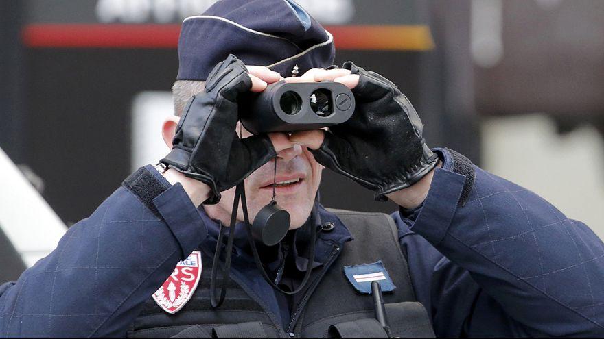 Fransa'da ordu iç güvenlik için devrede