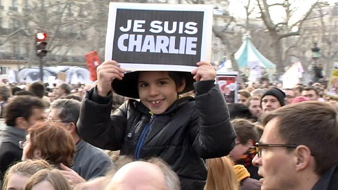 مسيرة الجمهورية في باريس وليون
