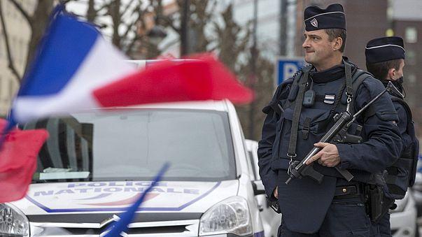Fransa'da güvenlik için 10 bin asker devrede