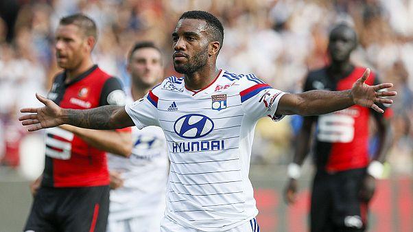 Olympique Lyon efsanesi 'iki Messi' ile yeniden doğuyor