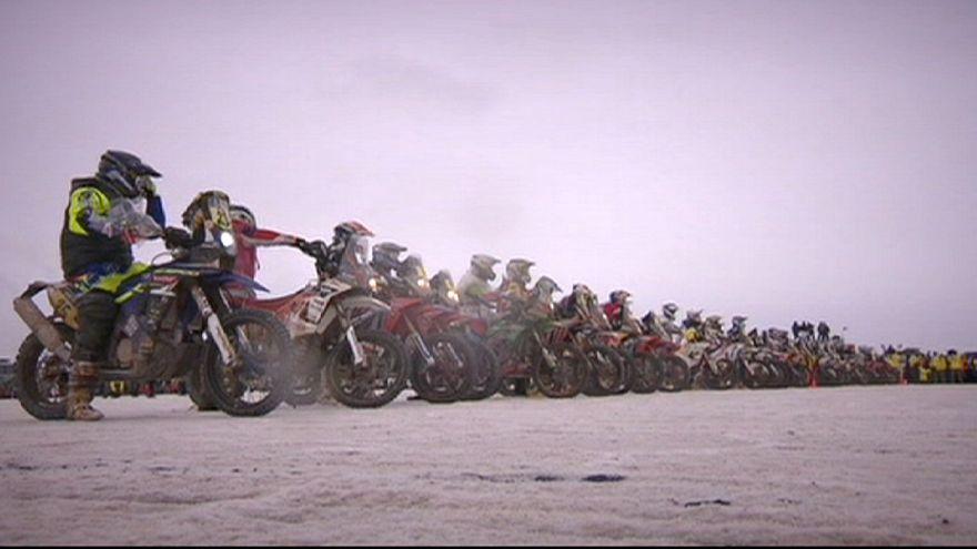 Dakar 2015-Motos : Bort perd plus d'un heure et demie, Marc Coma prend la tête