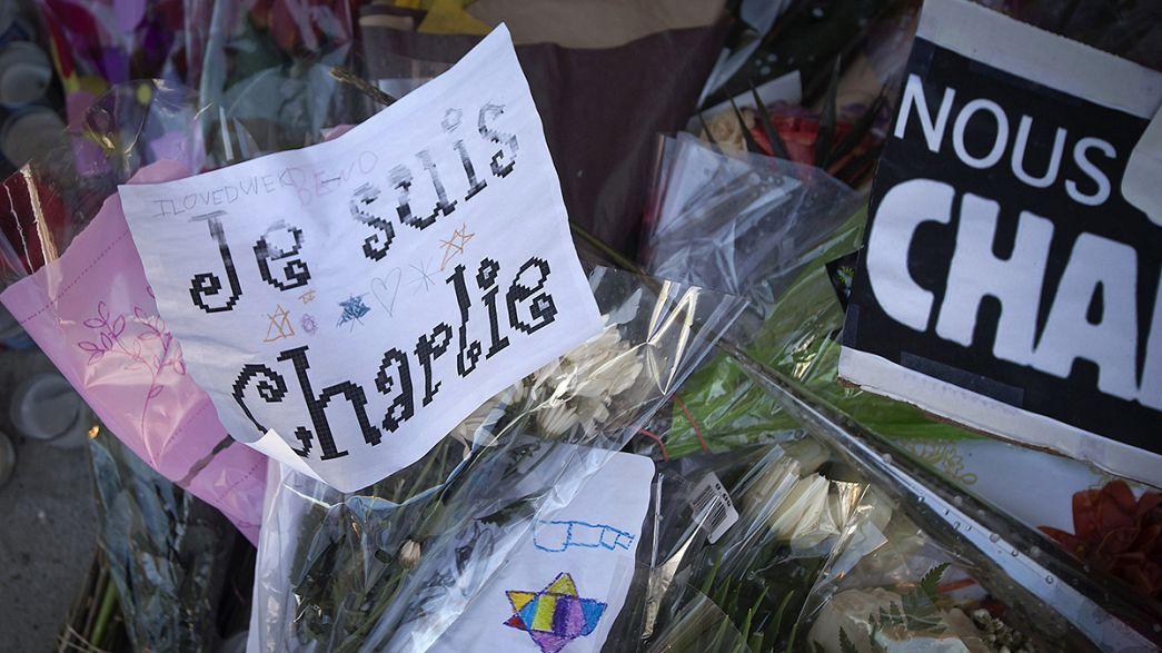"""Três milhões de """"Charlie Hebdo"""" nas bancas"""
