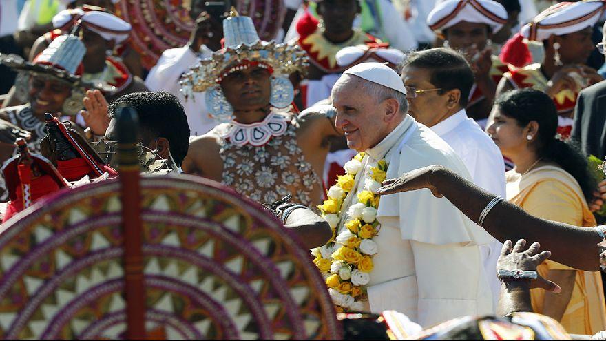 Papa Francesco arrivato in Sri Lanka