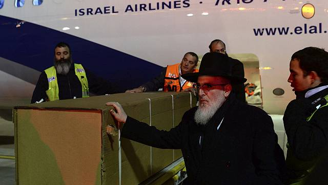 Jewish victims of Paris supermarket killings arrive in Israel for burial