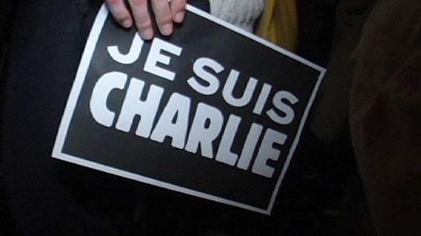 Expatriados franceses homenajean en Shanghai a las víctimas de 'Charlie Hebdo'